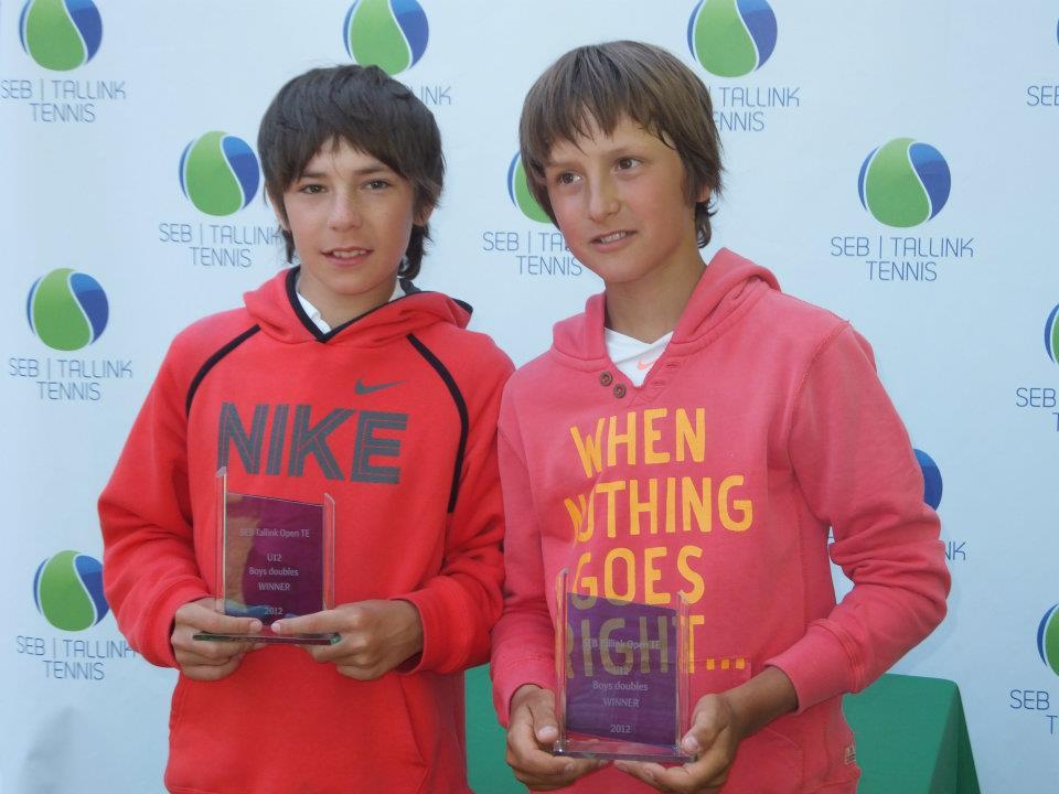 Партнёром по паре у Алексея на турнире был А. Чермошенцев из Сургута