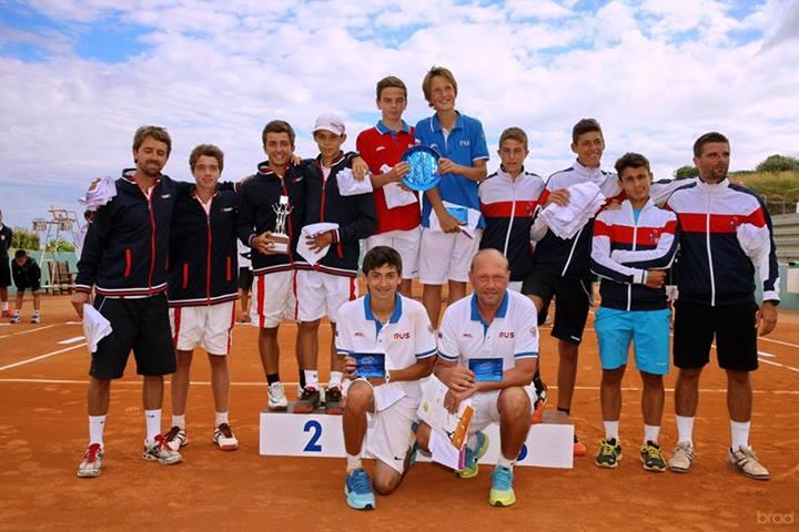Мы уверенно провели матчи в зональных соревнованиях, во Франции.