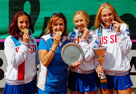 03 August 2016 - Russia's girls celebrate their win in Budapest. Photo: tennisfoto.ne