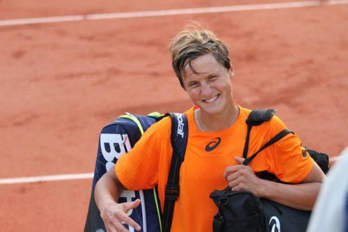 Сейчас я вернулся в академию Муратоглу (Mouratoglou Tennis Academy) и готовлюсь к турнирам в Лондоне