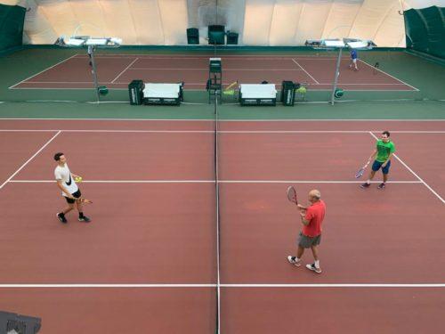 Тренировки в теннисном клубе в Сколково